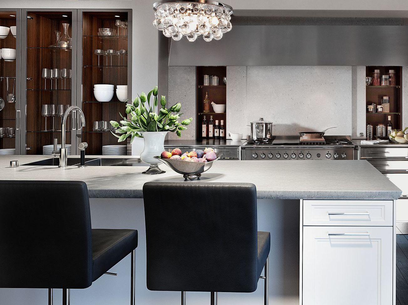 SieMatic Classic BeauxArts S2 in lotusweiß und nickel mit exklusiver SteinDesign Küchenarbeitsplatte.