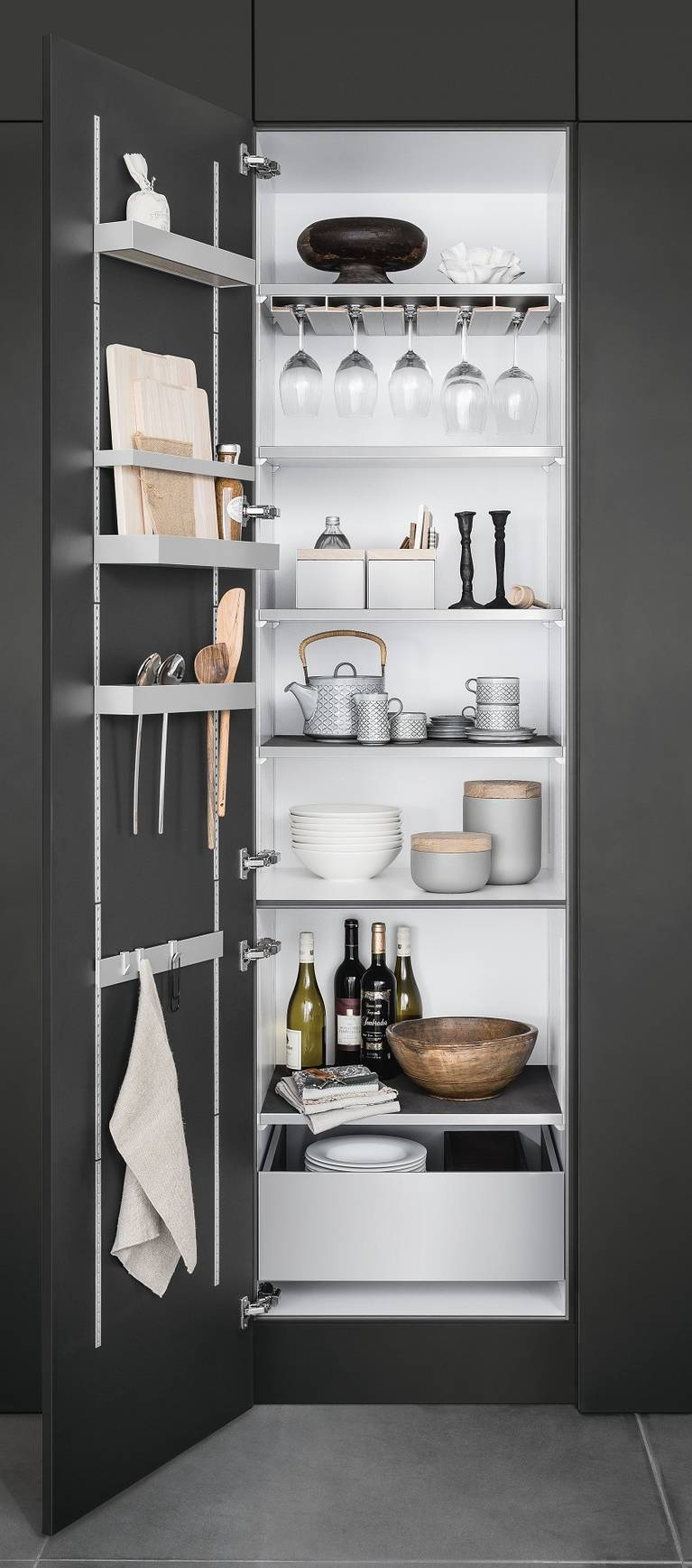 SieMatic MultiMatic interior organization system for grey cabinets creates more storage space in the kitchen