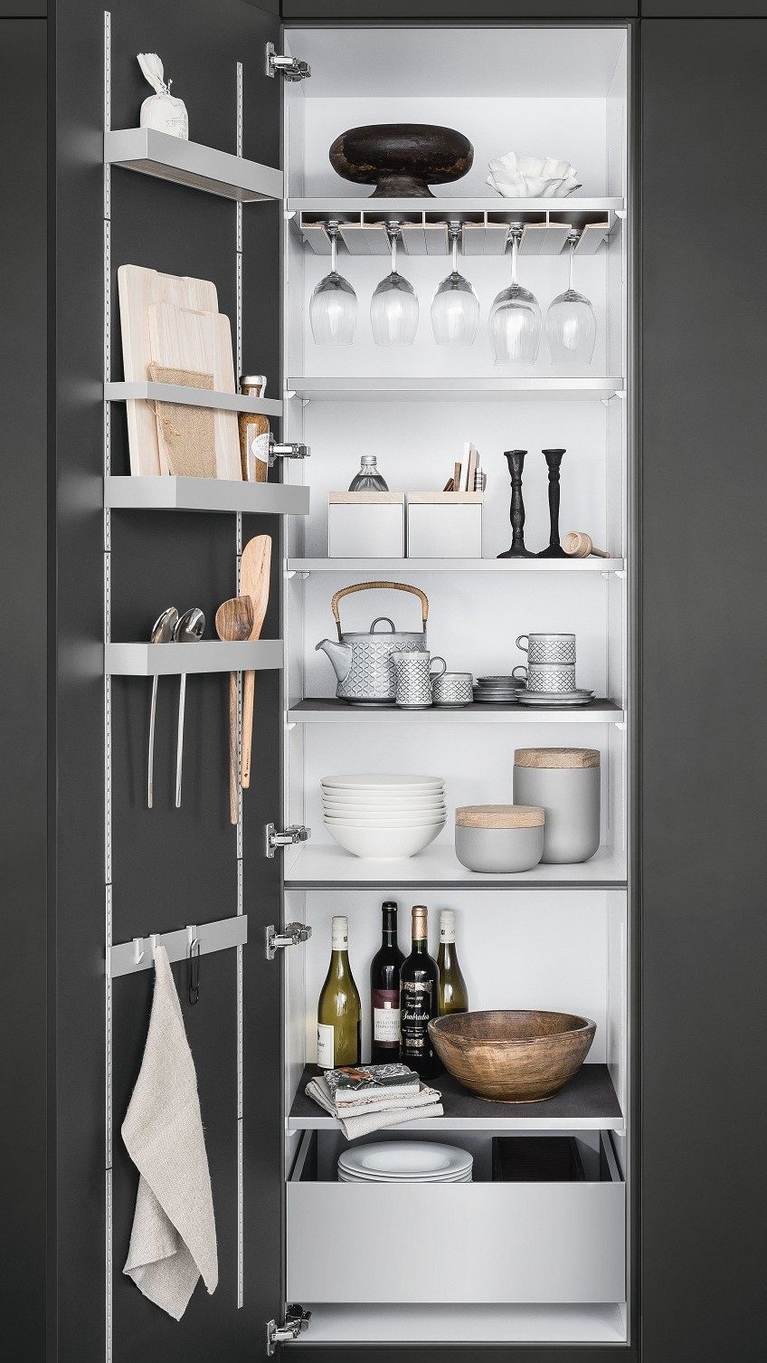 SieMatic MultiMatic interior organization system for cabinets offers up to 30% more storage space in the kitchen