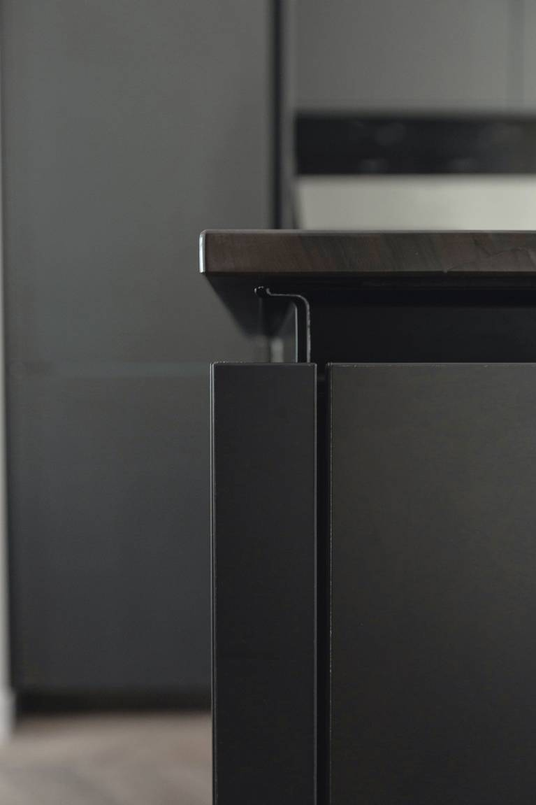 SieMatic Pure S2 kitchen island in grey with integrated, ergonomically-shaped handle channel