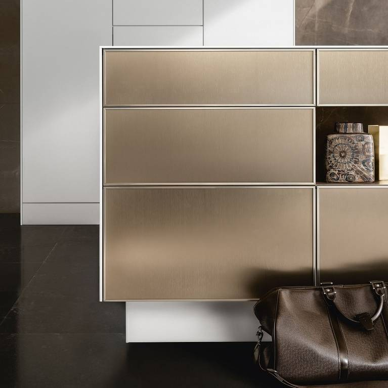 SieMatic Pure SE 3003 R kitchen island with gold bronze finish and the appearance of 6.5 mm thick countertop and side panels