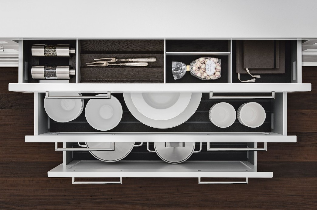SieMatic Classic BeauxArts S2 with kitchen drawers equipped with aluminum interior accessories in rich smoked chestnut