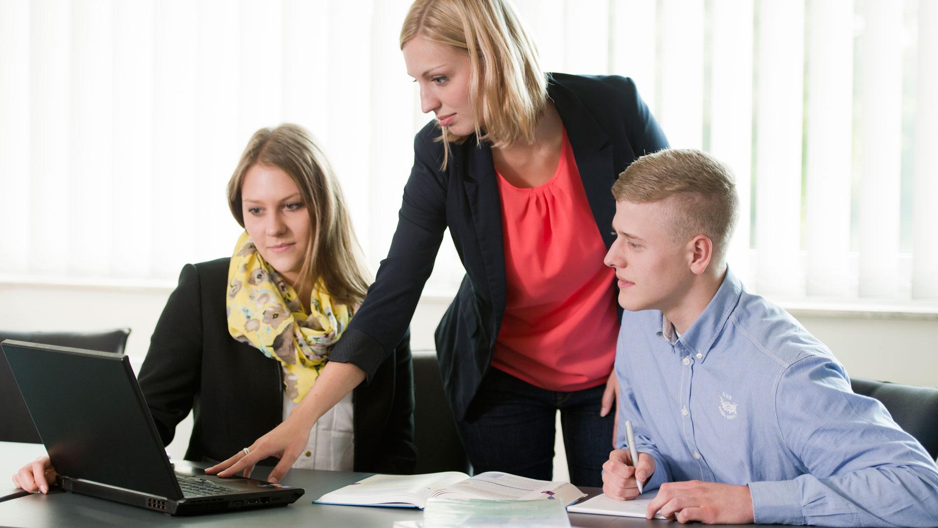 Ausbildung bei SieMatic: Zusatzunterricht für alle kaufmännischen und gewerblichen Auszubildenden.