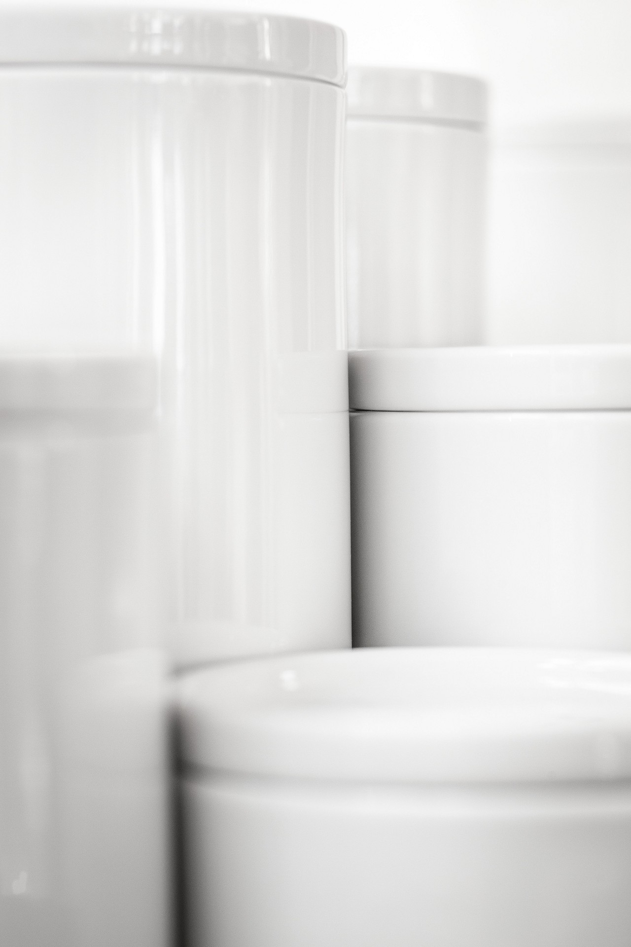 Porcelain jars for drawers and pull-outs from SieMatic kitchen interior accessories