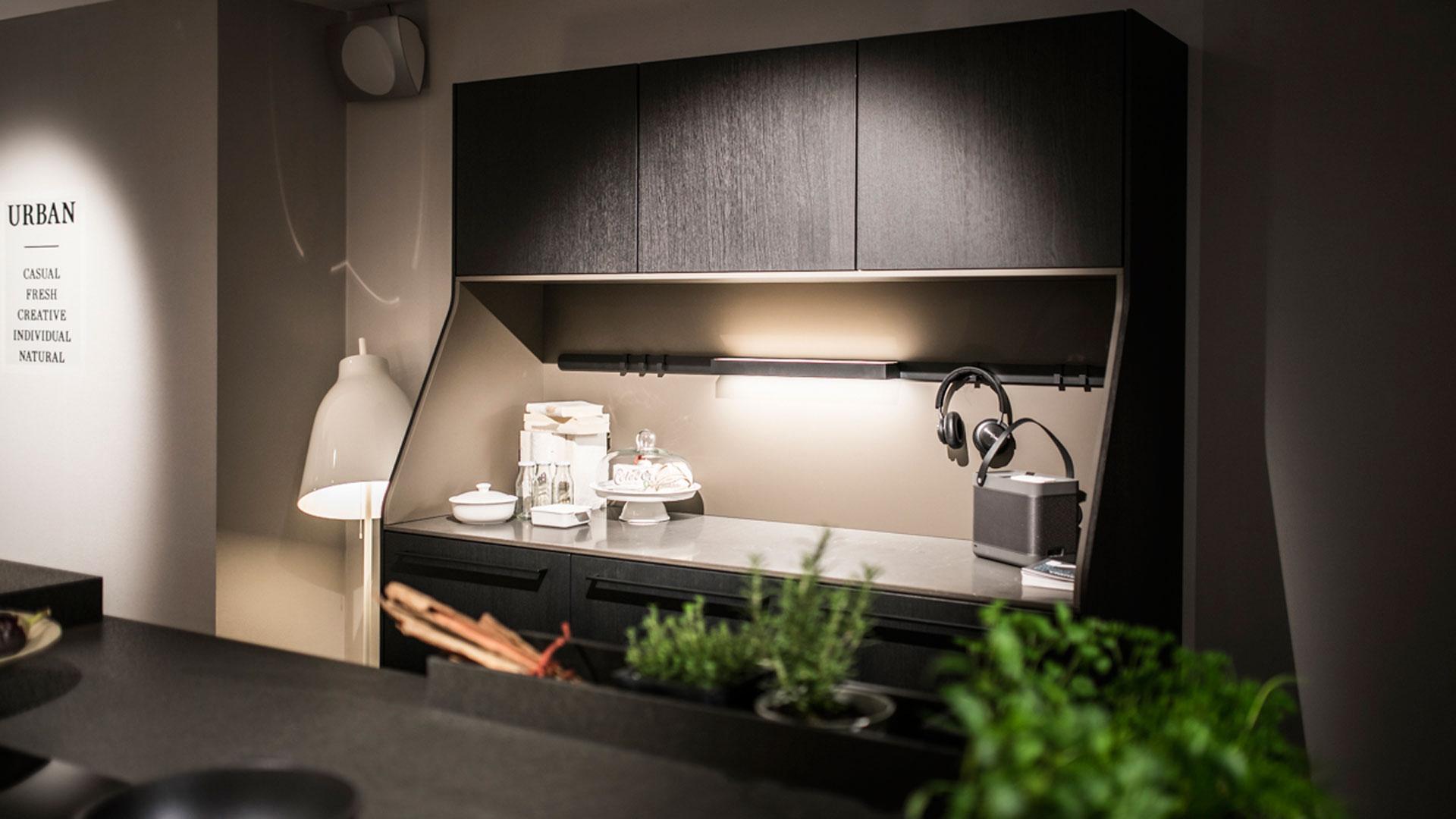 living kitchen 2017 exklusiv am ring. Black Bedroom Furniture Sets. Home Design Ideas