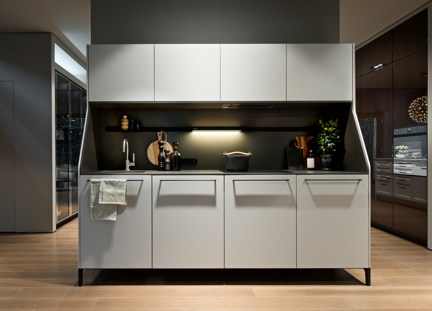 siematic stilwelten in mailand. Black Bedroom Furniture Sets. Home Design Ideas